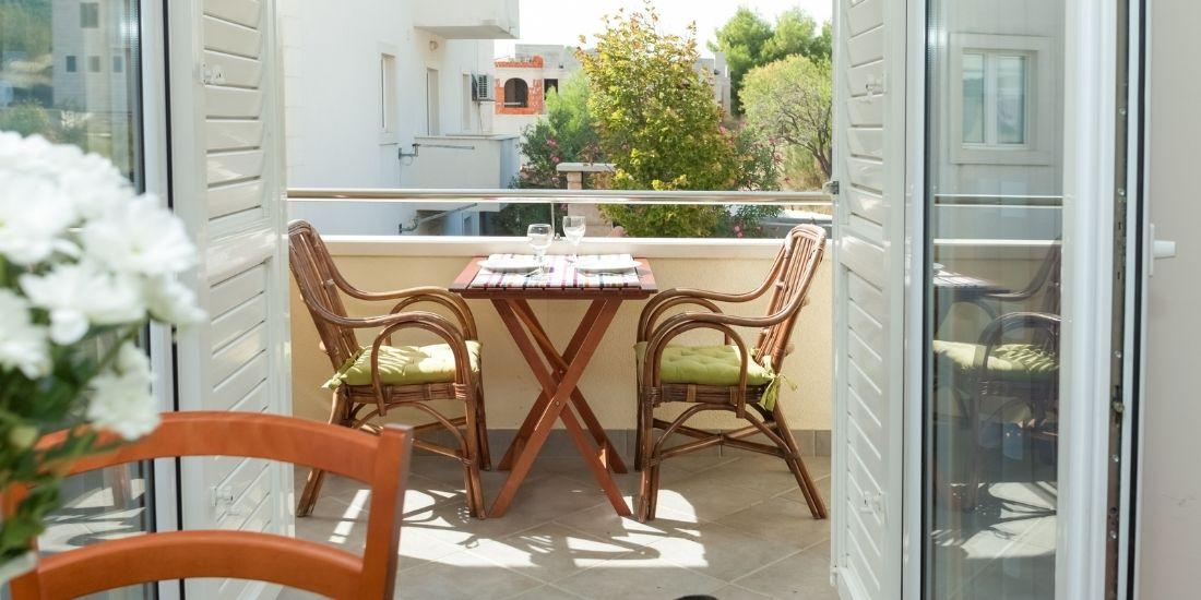 Comment se protéger des regards sur son balcon, sa terrasse ou son jardin ?
