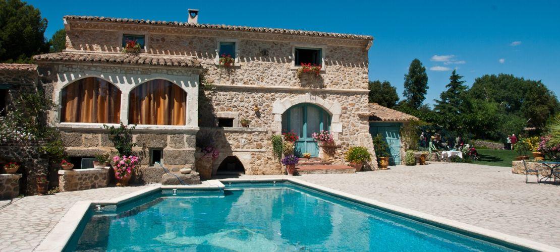 Les 10 questions clés avant d'acheter votre piscine